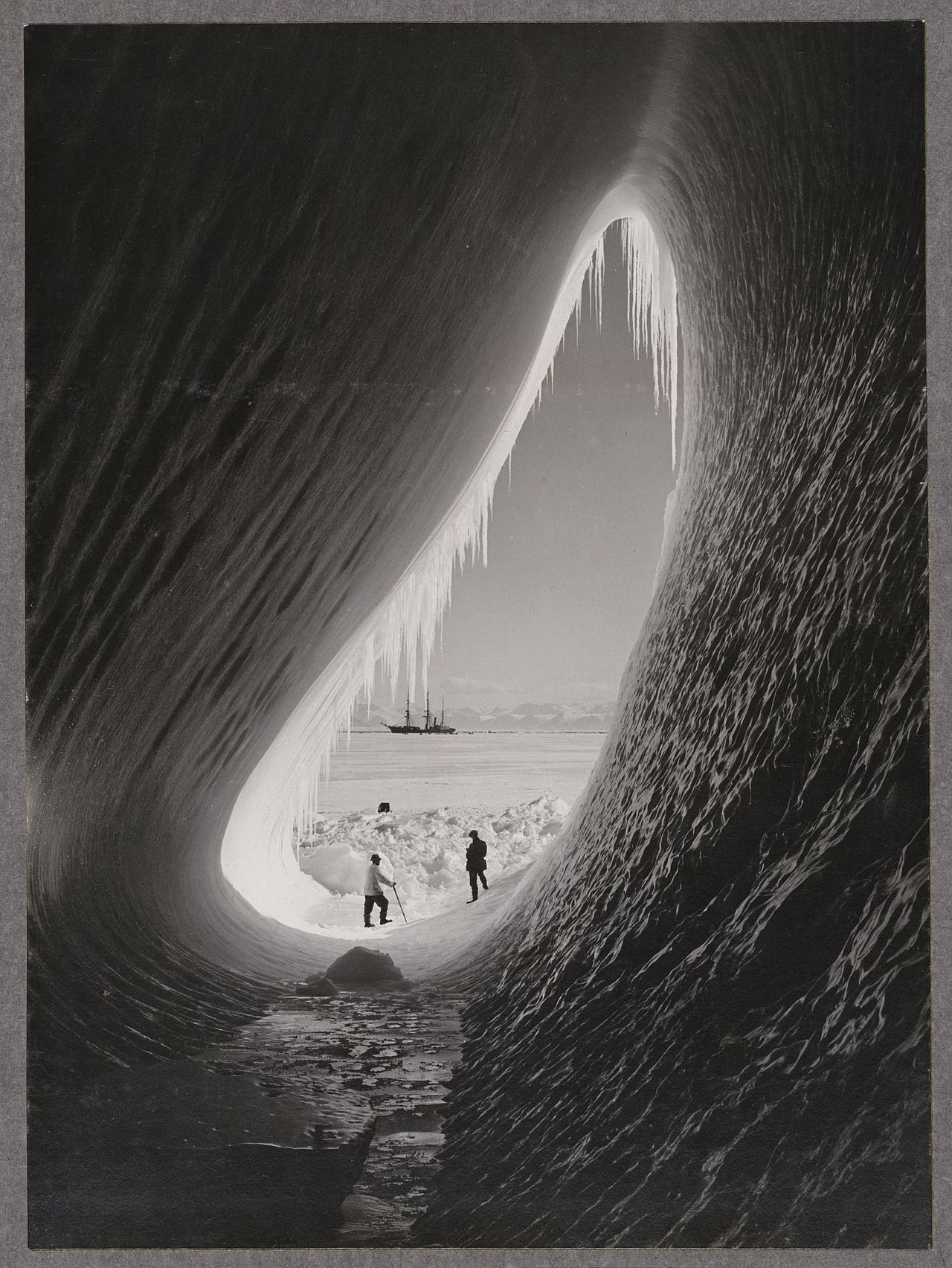 Grotto in an iceberg, 5 January 1911, taken by a member of Scott's team. Credit: Herbert Ponting/National Library of New Zealand.